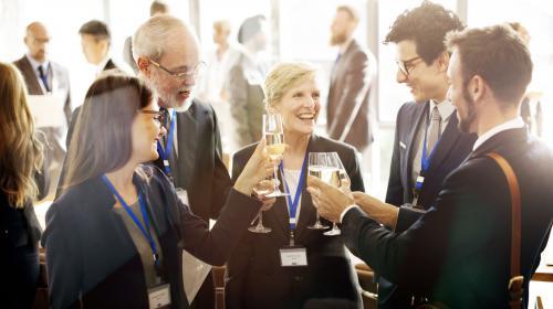 Los 7 elementos que convertirán tu evento de empresa en un éxito