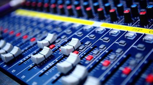 5 canciones para identificar a las agencias de comunicación