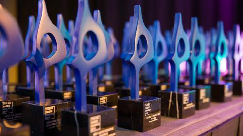 NEWS: LEWIS WINS SABRE AWARD FOR 'THE IMPOSSIBLE SIGNING SESSION'