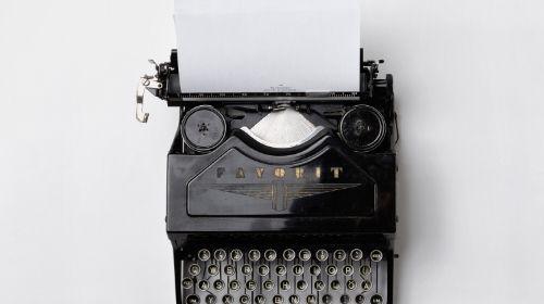typewriter, short copy, linkedin ads best practices