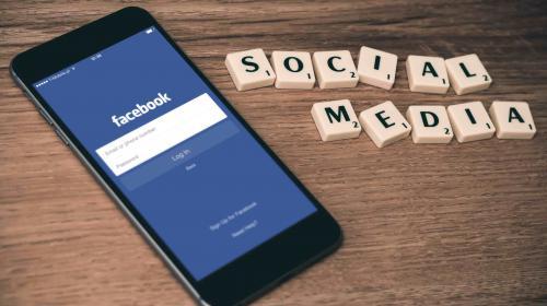 SOCIAL MEDIA-ETIKETTE FÜR UNTERNEHMEN
