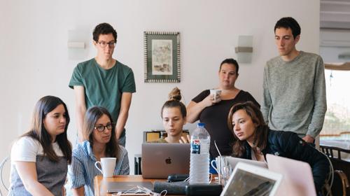 LEWIS partecipa alla ricerca di PR Hub: organizzarsi per competere